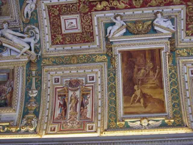 Потолок в музее Ватикана – галерея Географических карт