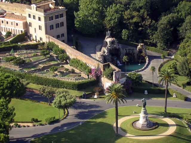 Вид на сады Ватикана
