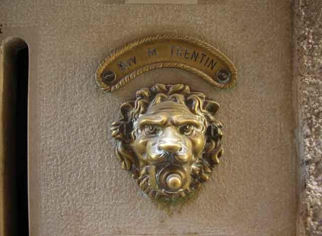 Дверной звонок - лев