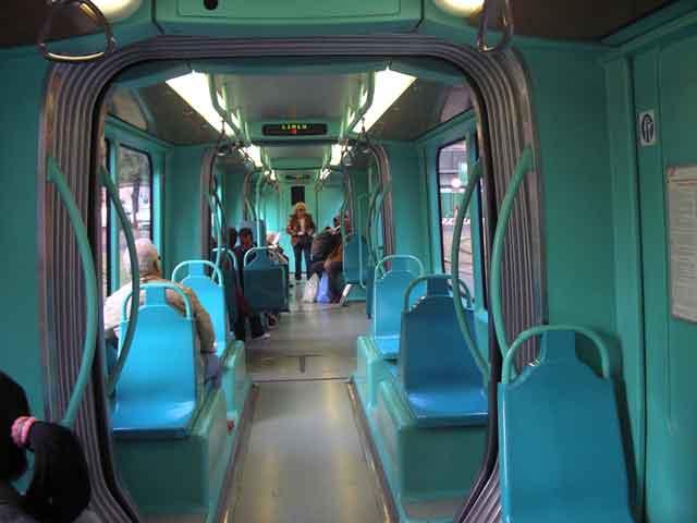 В современном трамвае
